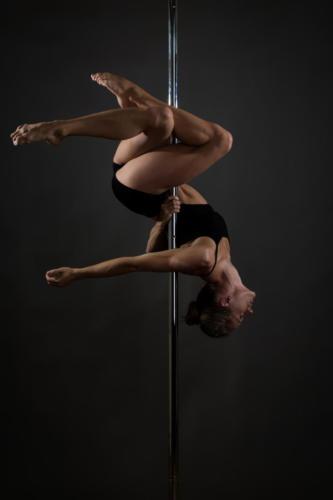 Pole  Roll pole dance Stalowa Wola (6) (1)