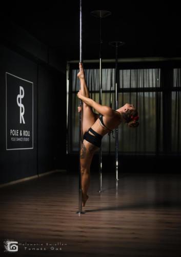 Pole  roll Studio pole dance stalowa wola tarnobrzeg untitled malowanieswiatlem 1310kinga (10)