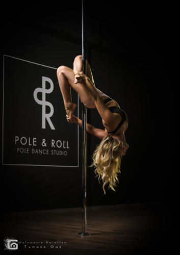 Pole  roll Studio pole dance stalowa wola tarnobrzeg untitled malowanieswiatlem 1310kinga (18)