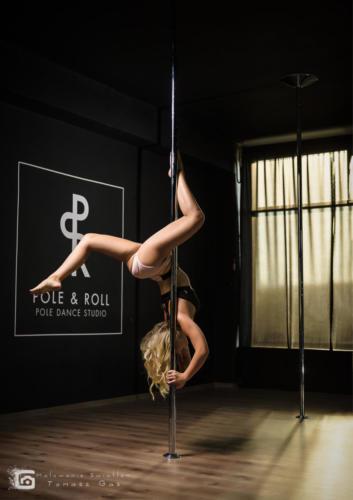 Pole  roll Studio pole dance stalowa wola tarnobrzeg untitled malowanieswiatlem 1310kinga (19)