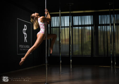 Pole  roll Studio pole dance stalowa wola tarnobrzeg untitled malowanieswiatlem 1310kinga (21)