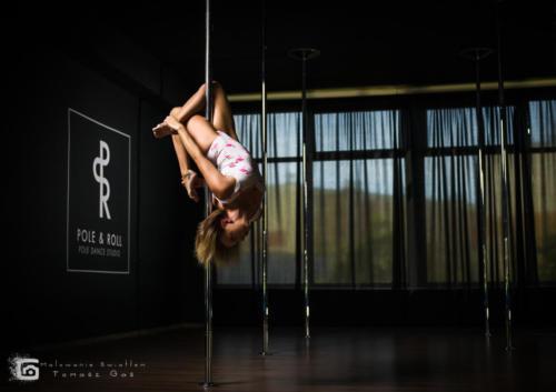Pole  roll Studio pole dance stalowa wola tarnobrzeg untitled malowanieswiatlem 1310kinga (22)