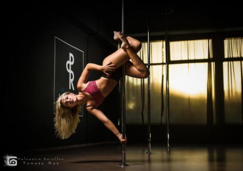 Pole  roll Studio pole dance stalowa wola tarnobrzeg untitled malowanieswiatlem 1310kinga (33)