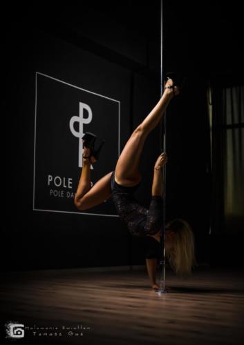 Pole  roll Studio pole dance stalowa wola tarnobrzeg untitled malowanieswiatlem 1310kinga (37)