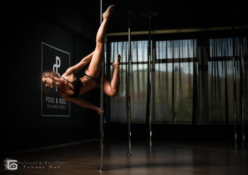 Pole  roll Studio pole dance stalowa wola tarnobrzeg untitled malowanieswiatlem 1310kinga (39)