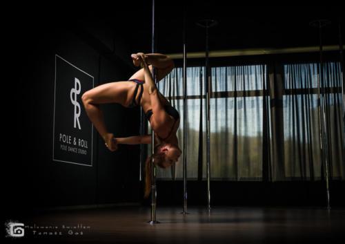 Pole  roll Studio pole dance stalowa wola tarnobrzeg untitled malowanieswiatlem 1310kinga (41)