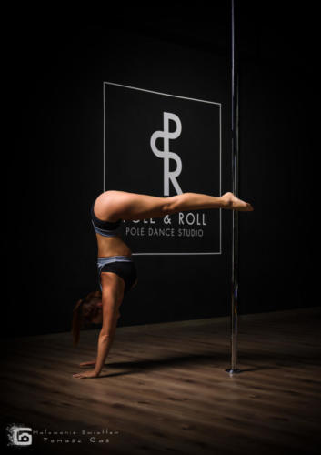 Pole  roll Studio pole dance stalowa wola tarnobrzeg untitled malowanieswiatlem 1310kinga (43)