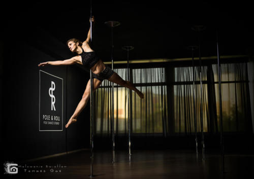 Pole  roll Studio pole dance stalowa wola tarnobrzeg untitled malowanieswiatlem 1310kinga (54)