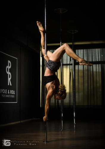 Pole  roll Studio pole dance stalowa wola tarnobrzeg untitled malowanieswiatlem 1310kinga (55)
