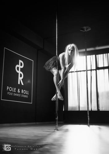 Pole  roll Studio pole dance stalowa wola tarnobrzeg untitled malowanieswiatlem 1310kinga (6)