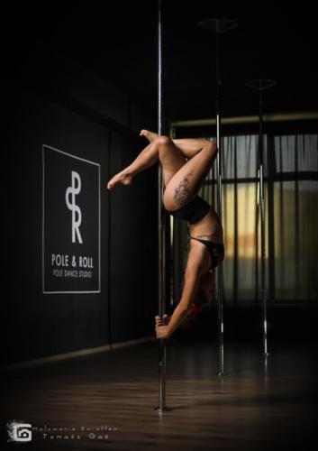Pole  roll Studio pole dance stalowa wola tarnobrzeg untitled malowanieswiatlem 1310kinga (9)